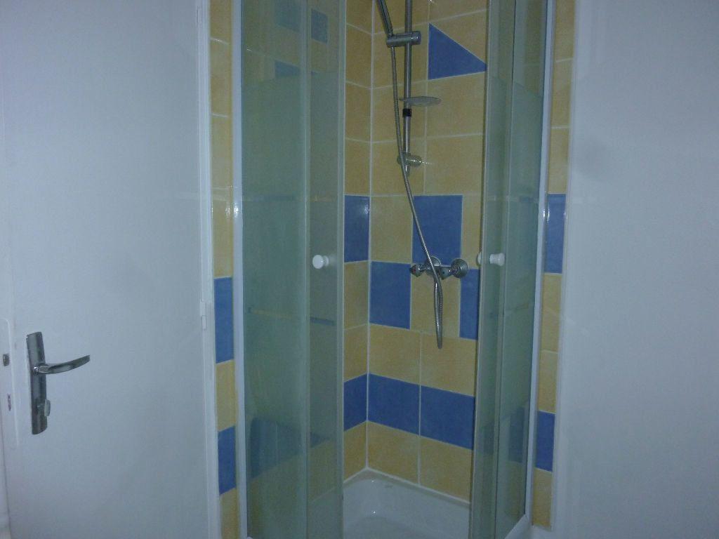 Appartement à louer 2 38m2 à Laon vignette-6