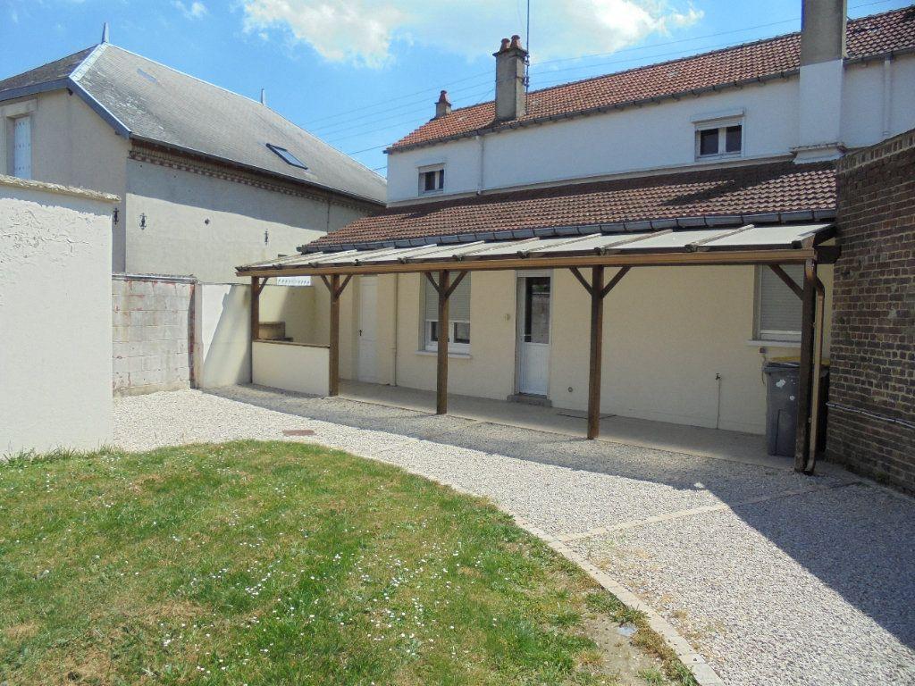 Maison à vendre 6 130m2 à Laon vignette-1