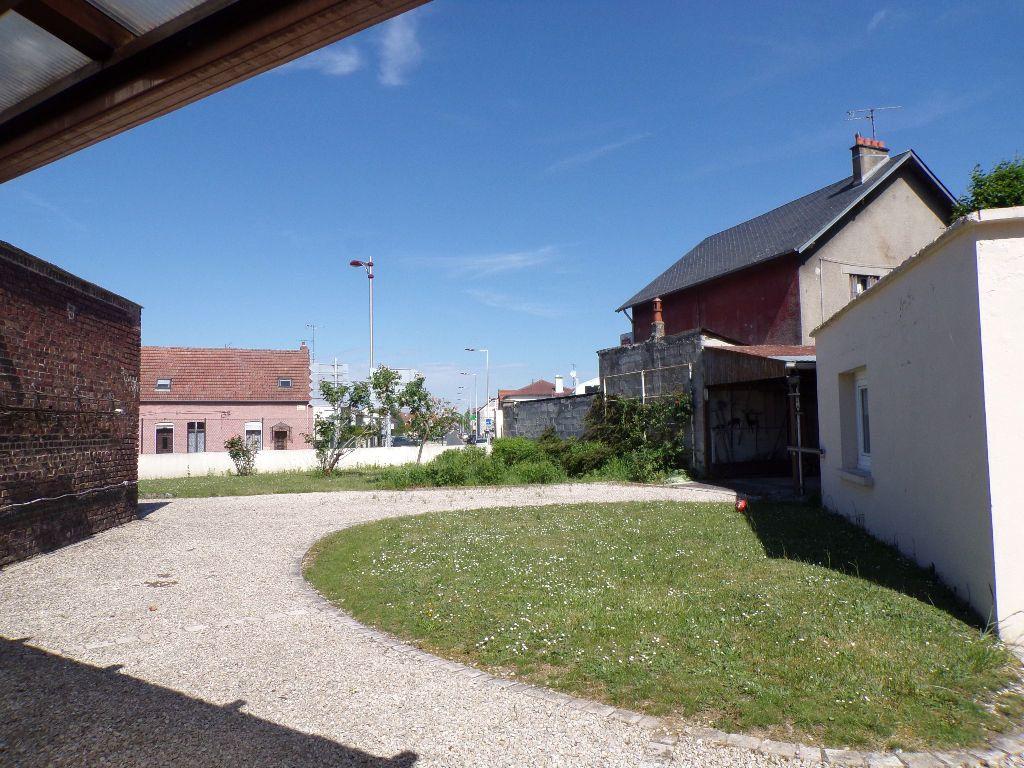 Maison à vendre 6 130m2 à Laon vignette-3