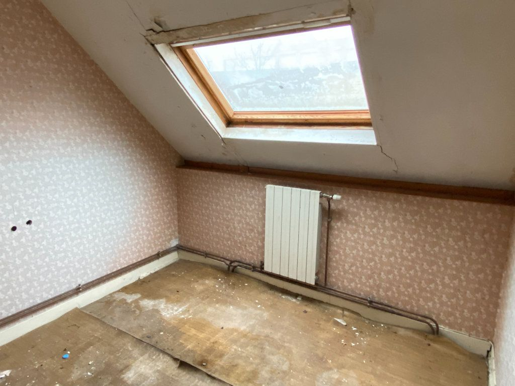 Maison à vendre 5 130m2 à Laon vignette-17