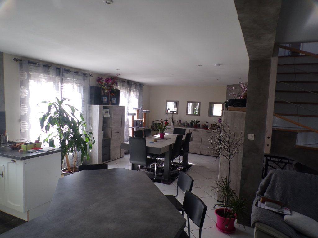 Maison à vendre 6 185m2 à Chavignon vignette-3
