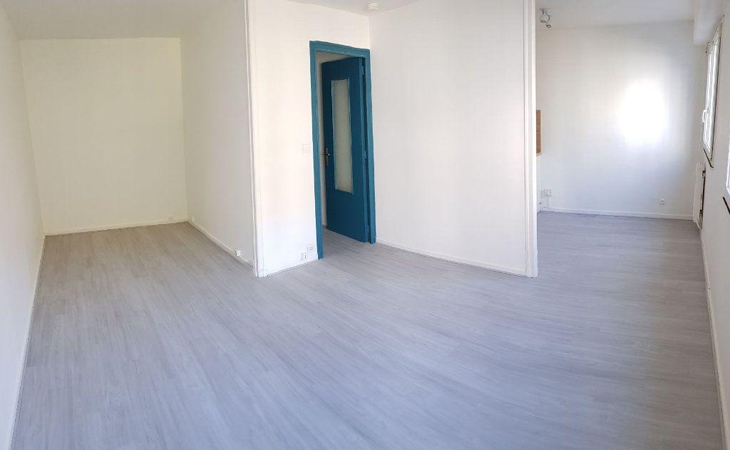 Appartement à louer 1 31m2 à Laon vignette-1