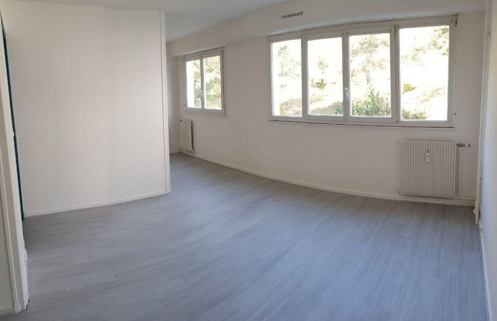 Appartement à louer 1 31m2 à Laon vignette-2
