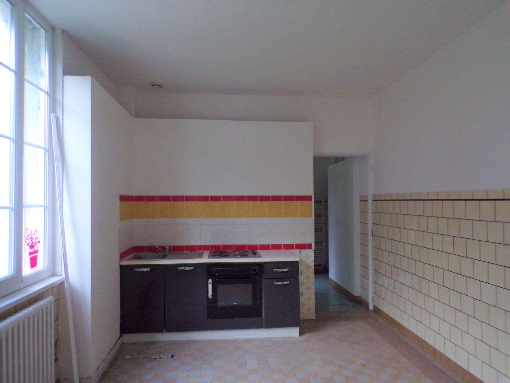 Maison à vendre 6 250m2 à Laon vignette-5