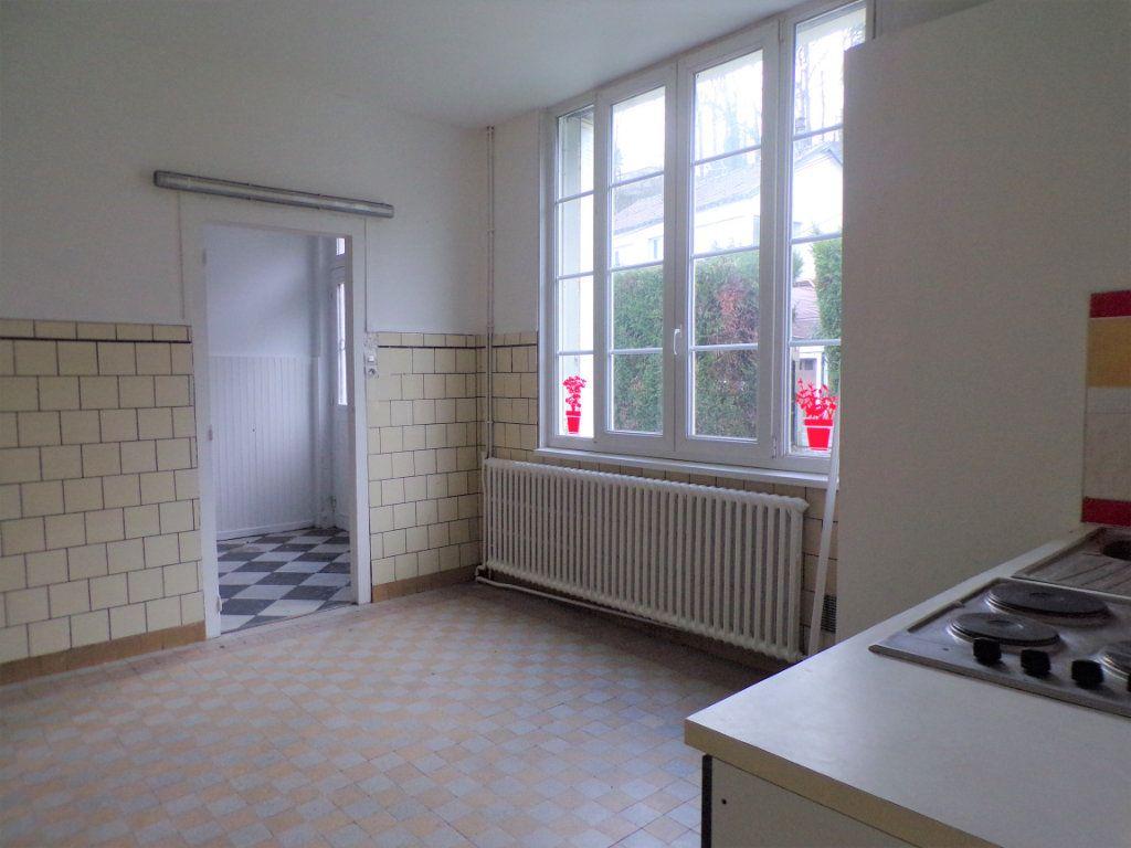 Maison à vendre 6 250m2 à Laon vignette-7