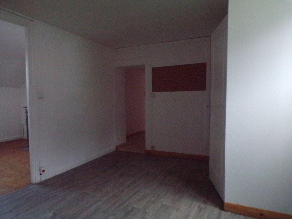 Maison à vendre 6 250m2 à Laon vignette-9