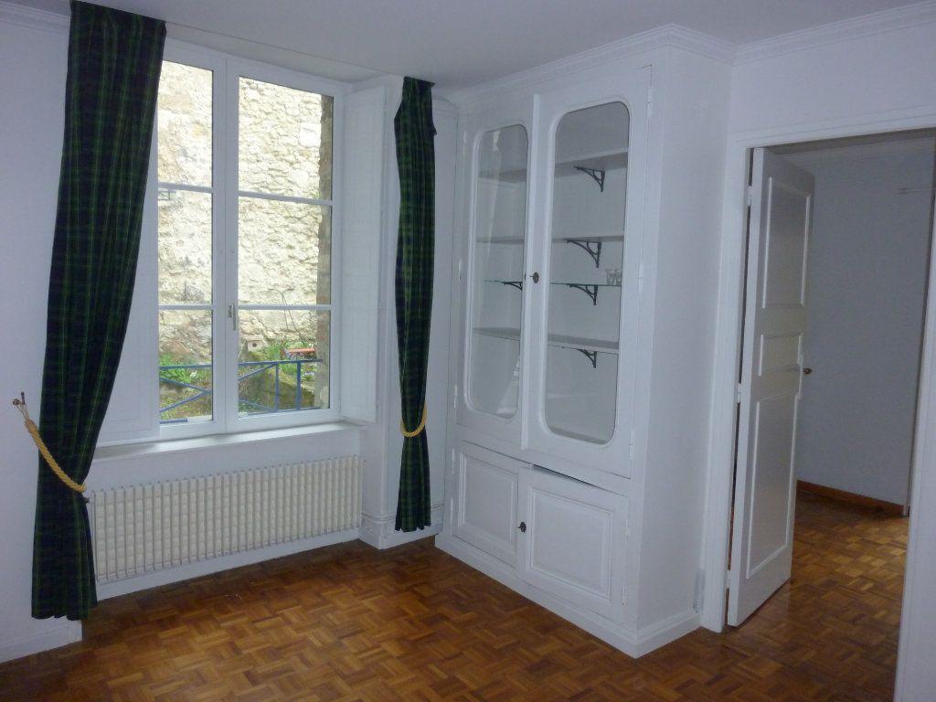 Appartement à louer 3 56.97m2 à Laon vignette-6