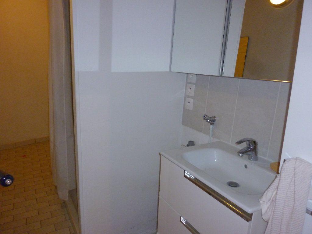 Appartement à louer 3 56.97m2 à Laon vignette-9