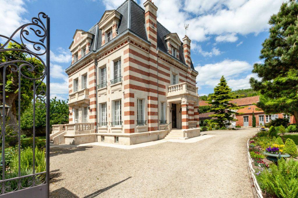 Maison à vendre 9 352m2 à Vailly-sur-Aisne vignette-1