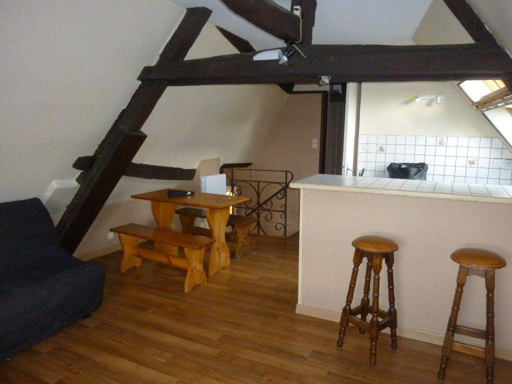 Appartement à louer 2 32.42m2 à Laon vignette-2