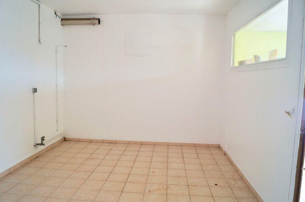 Maison à vendre 6 124m2 à Aulnois-sous-Laon vignette-3
