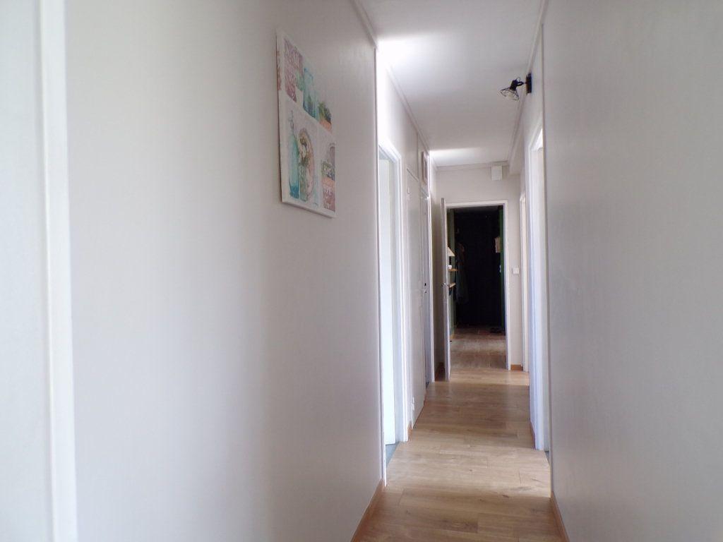 Appartement à vendre 4 76m2 à Laon vignette-4