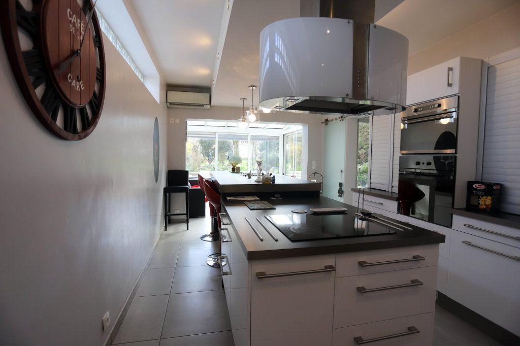 Maison à vendre 9 240m2 à Laon vignette-3