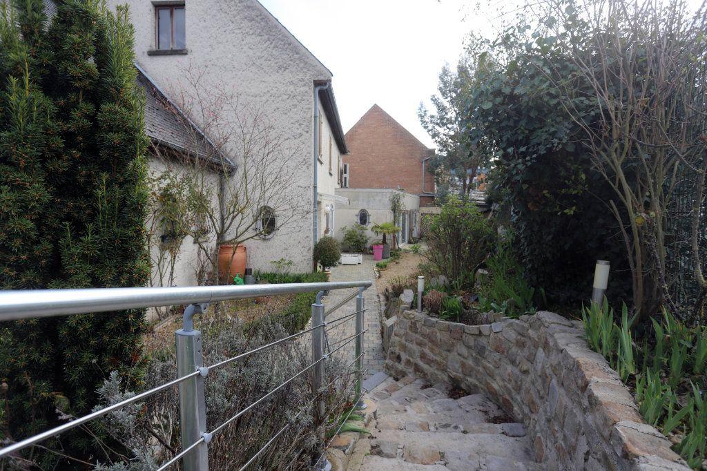 Maison à vendre 9 240m2 à Laon vignette-4