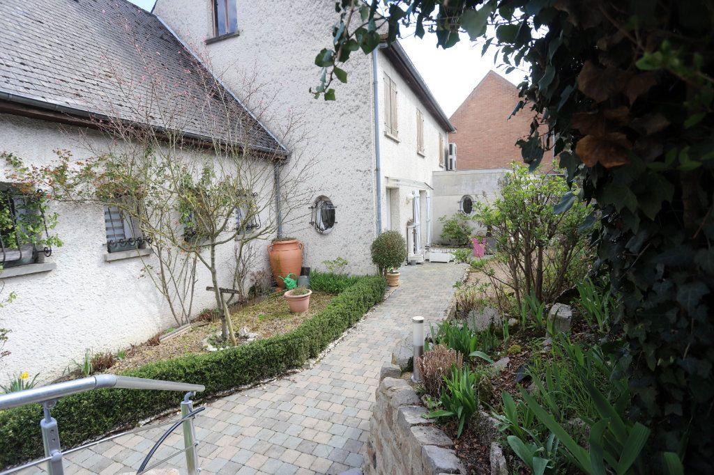 Maison à vendre 9 240m2 à Laon vignette-5