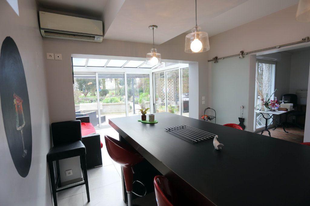 Maison à vendre 9 240m2 à Laon vignette-6