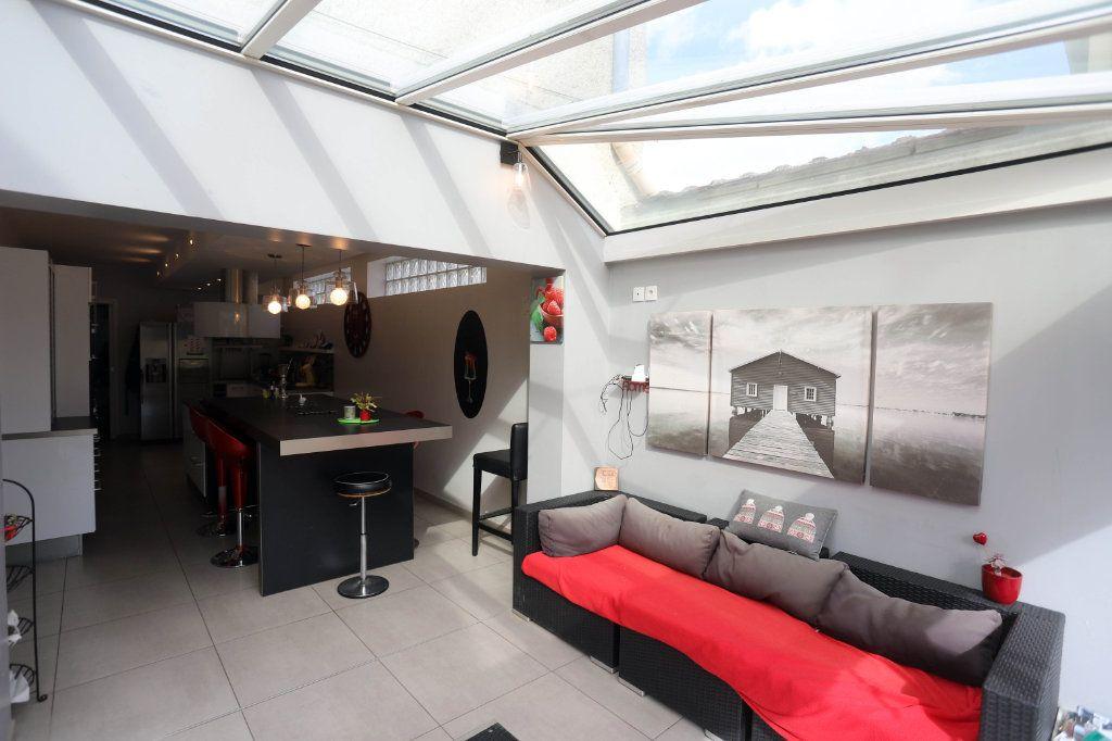 Maison à vendre 9 240m2 à Laon vignette-7