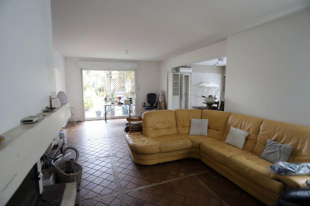 Maison à vendre 9 240m2 à Laon vignette-8