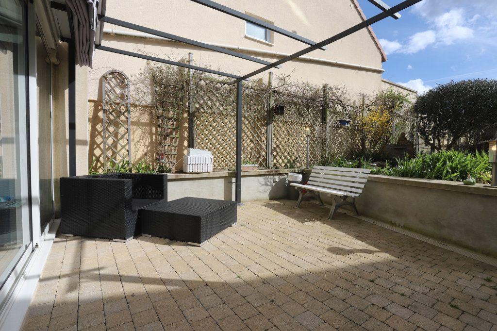 Maison à vendre 9 240m2 à Laon vignette-10