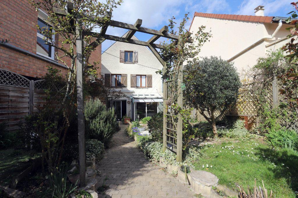 Maison à vendre 9 240m2 à Laon vignette-11