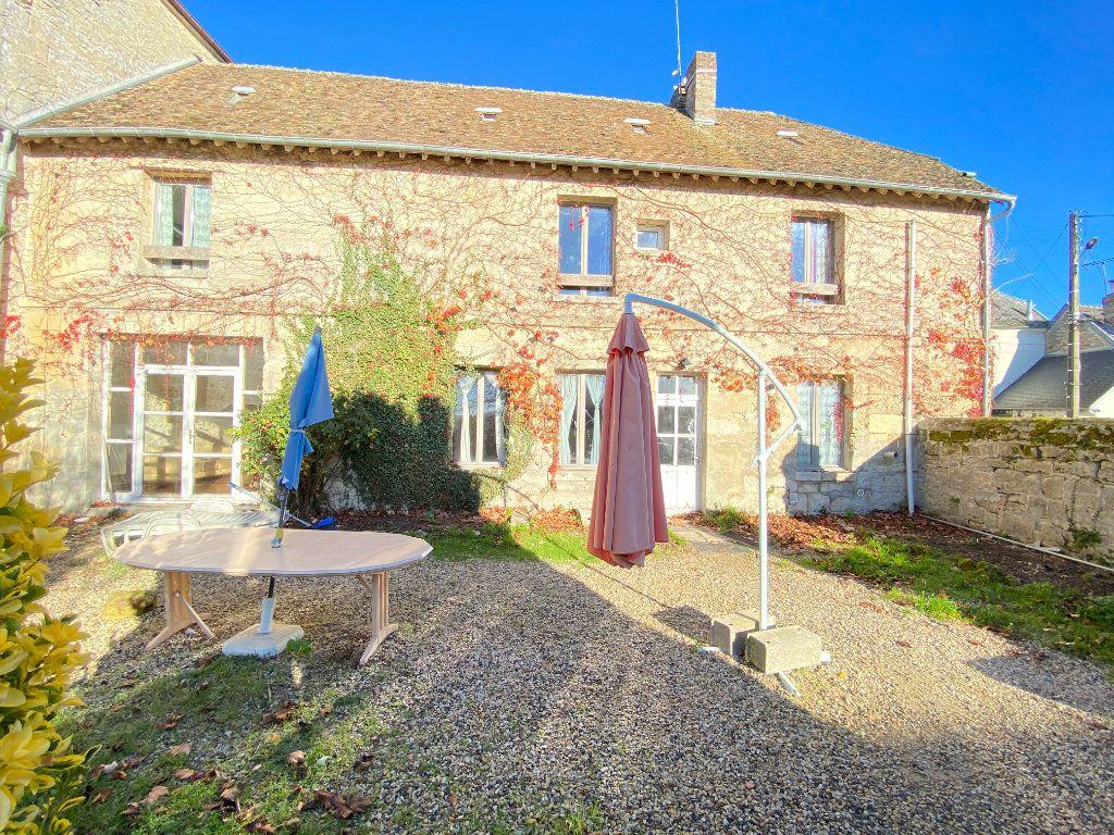 Maison à vendre 6 210m2 à Montchâlons vignette-1