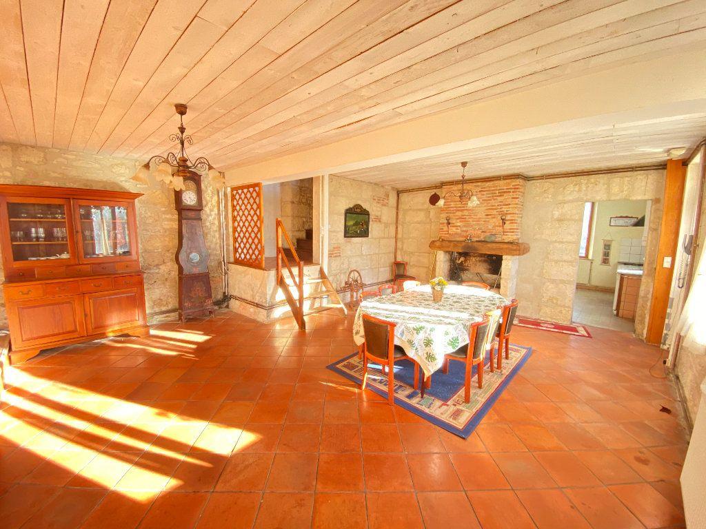 Maison à vendre 6 210m2 à Montchâlons vignette-5