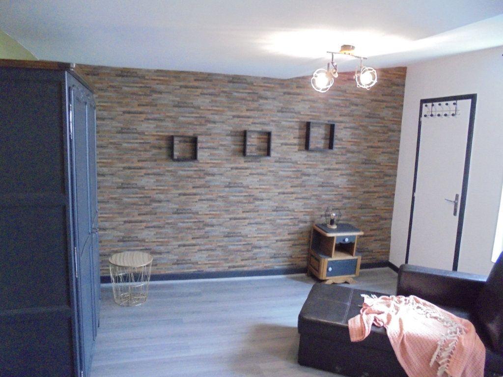 Appartement à louer 1 24.05m2 à Laon vignette-3