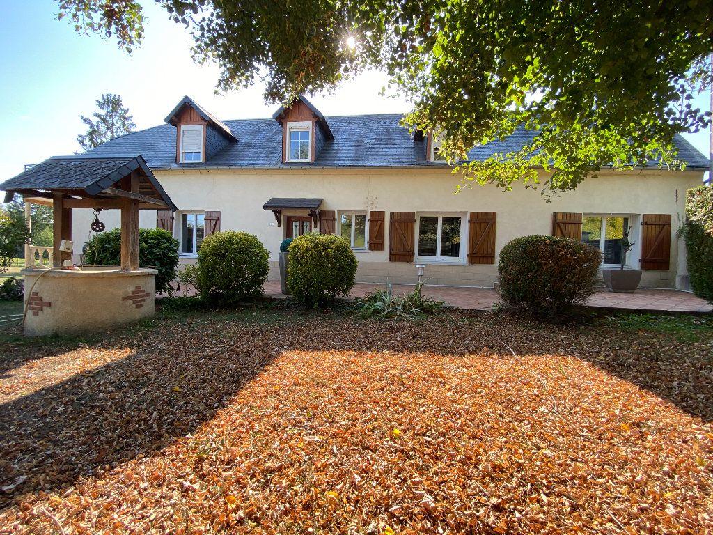 Maison à vendre 12 340m2 à Royaucourt-et-Chailvet vignette-1