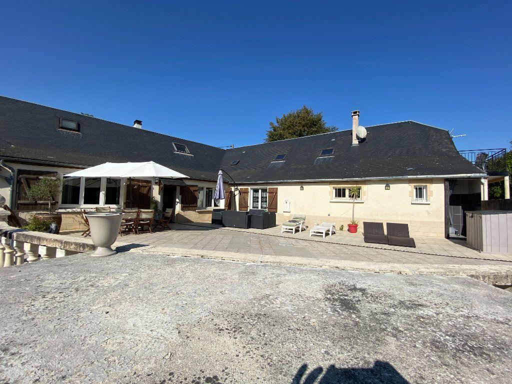 Maison à vendre 12 340m2 à Royaucourt-et-Chailvet vignette-3