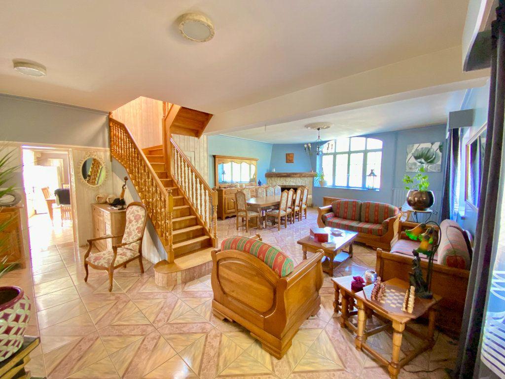Maison à vendre 12 340m2 à Royaucourt-et-Chailvet vignette-5