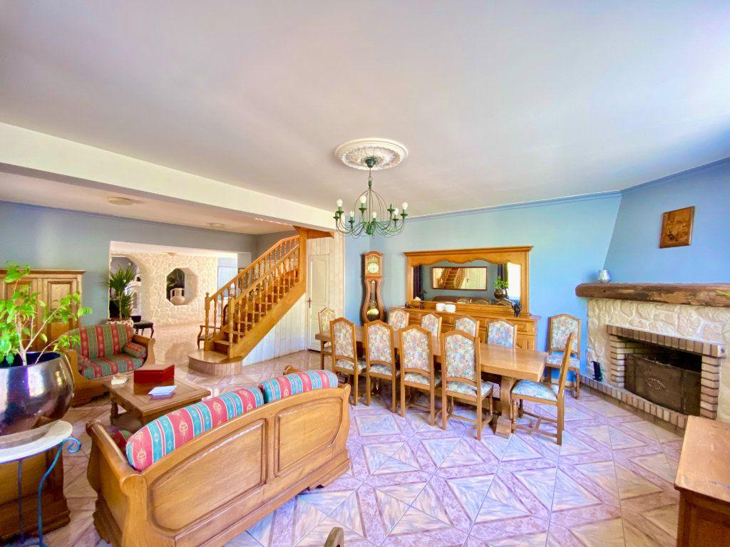 Maison à vendre 12 340m2 à Royaucourt-et-Chailvet vignette-6
