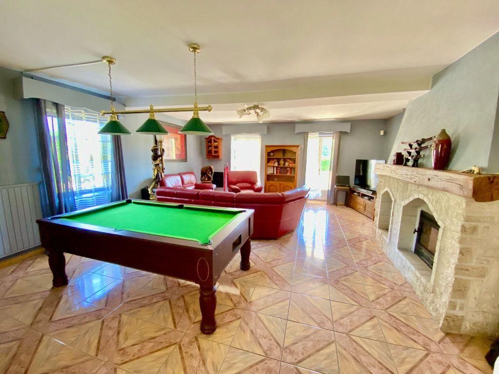 Maison à vendre 12 340m2 à Royaucourt-et-Chailvet vignette-7