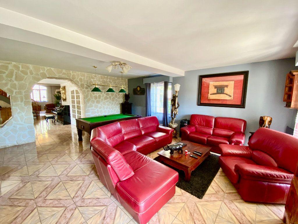 Maison à vendre 12 340m2 à Royaucourt-et-Chailvet vignette-8