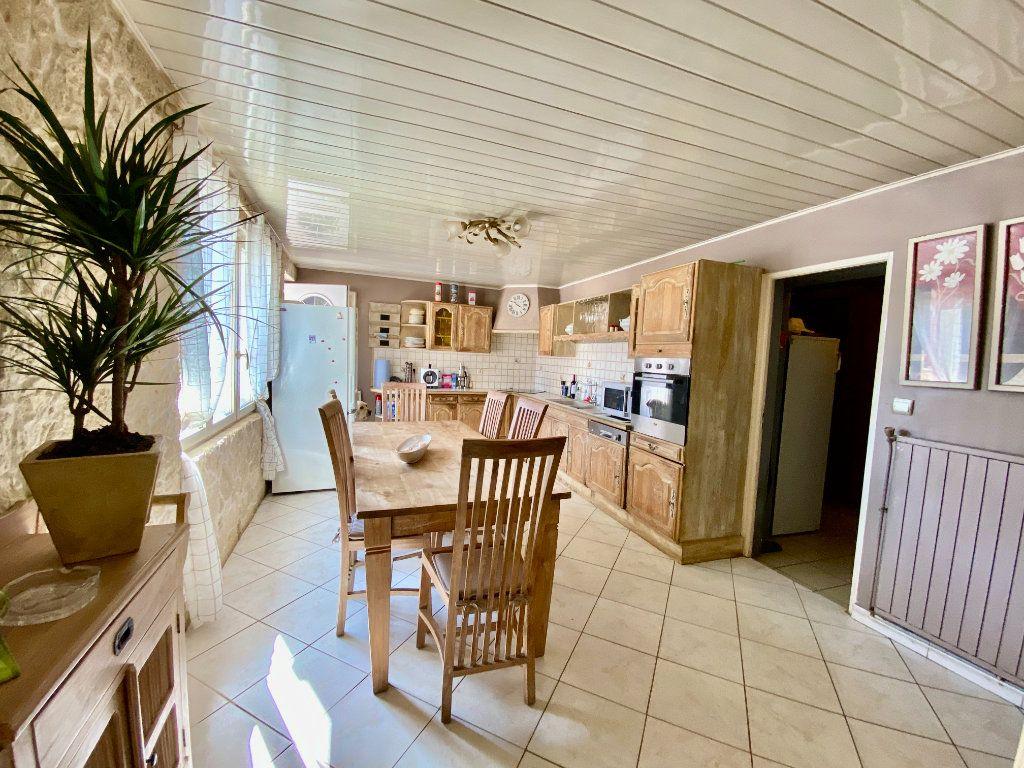 Maison à vendre 12 340m2 à Royaucourt-et-Chailvet vignette-9