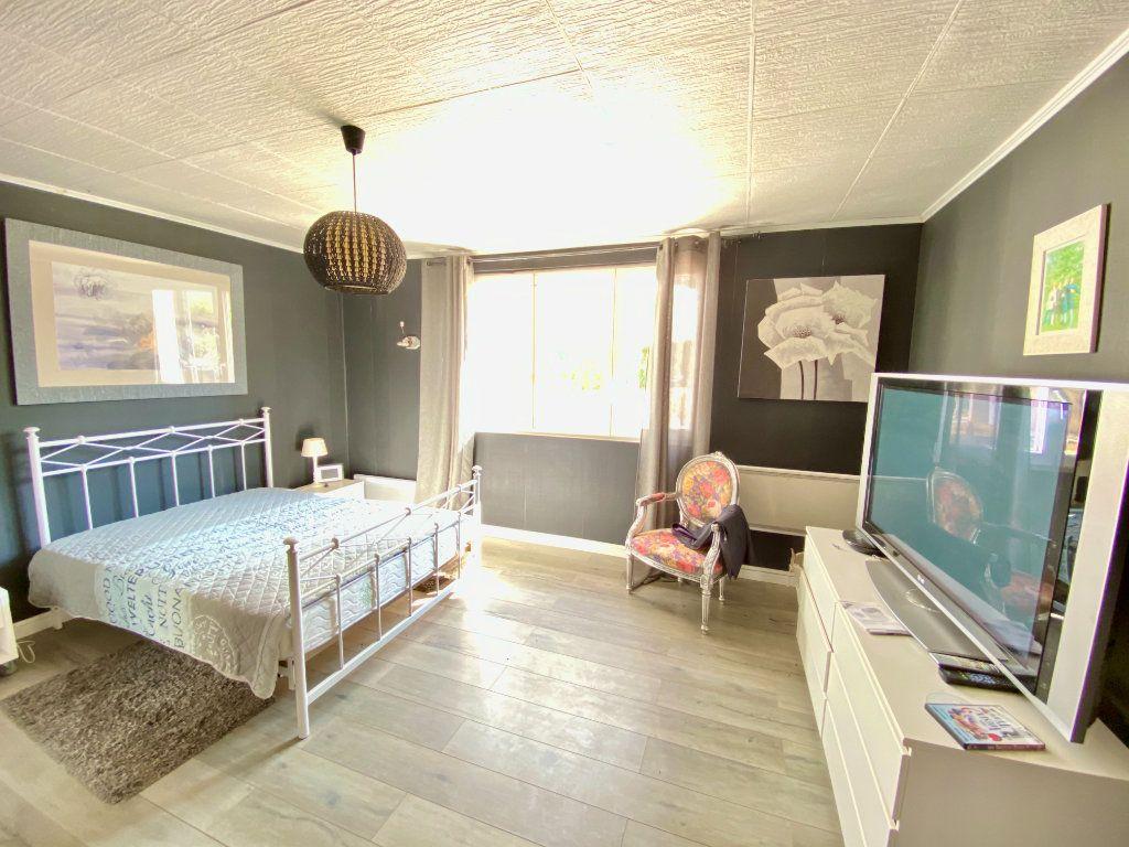 Maison à vendre 12 340m2 à Royaucourt-et-Chailvet vignette-13