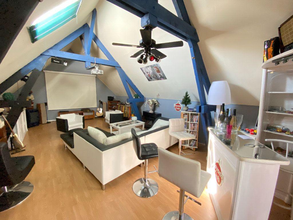 Maison à vendre 12 340m2 à Royaucourt-et-Chailvet vignette-16