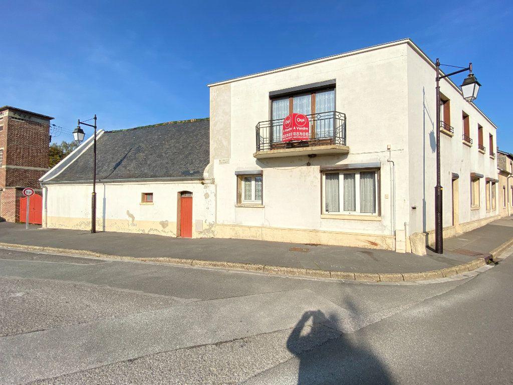 Maison à vendre 9 215m2 à Crépy vignette-1