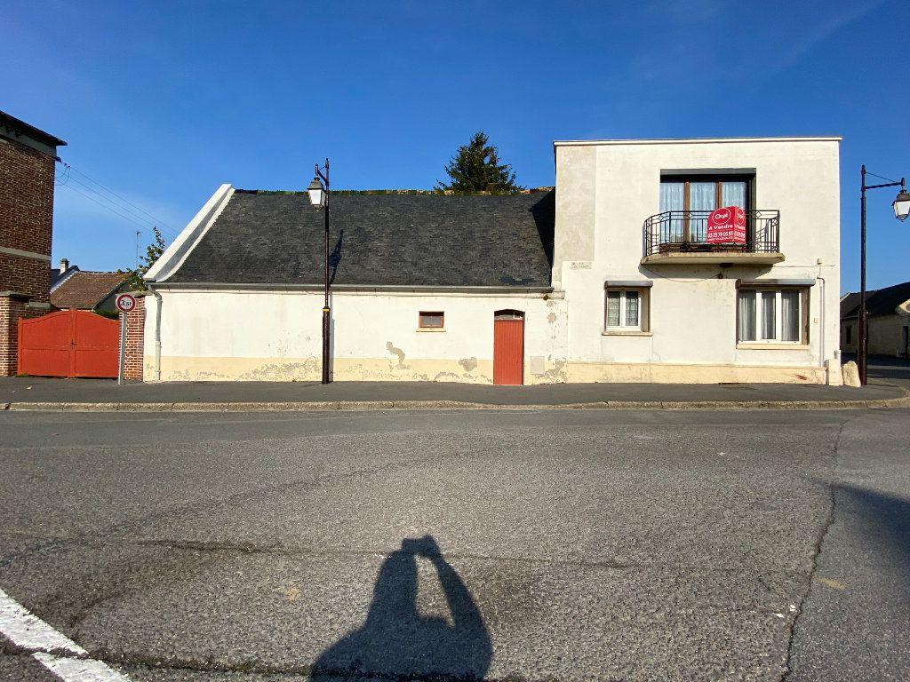 Maison à vendre 9 215m2 à Crépy vignette-2