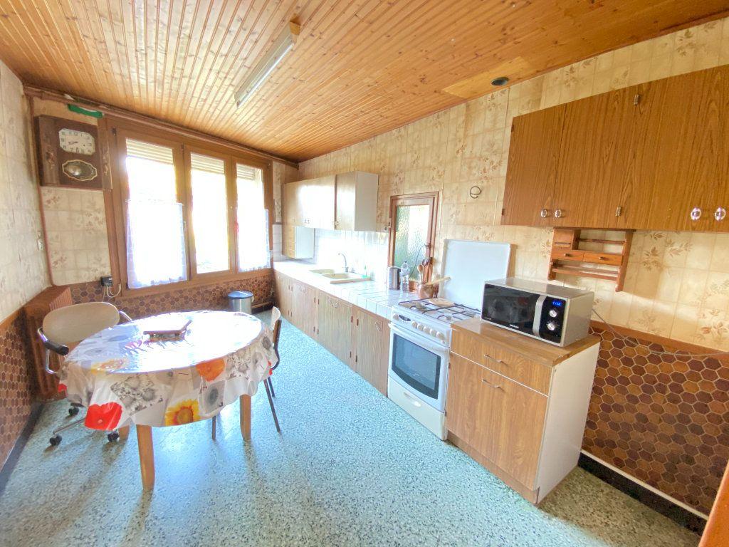 Maison à vendre 9 215m2 à Crépy vignette-5