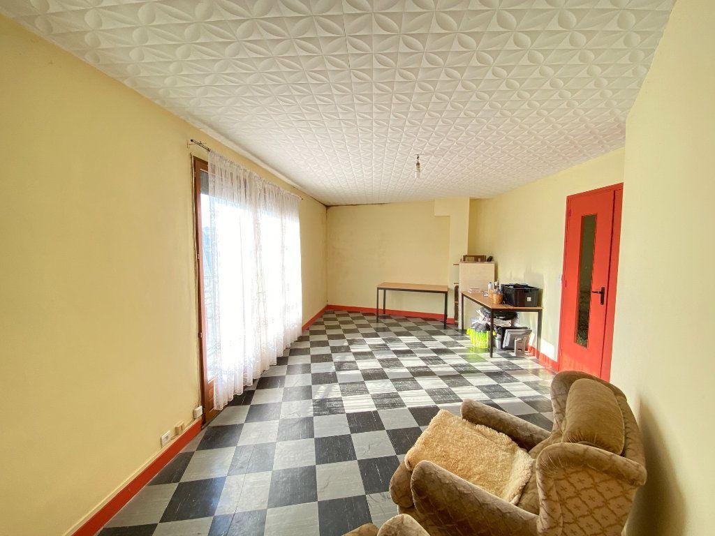 Maison à vendre 9 215m2 à Crépy vignette-7