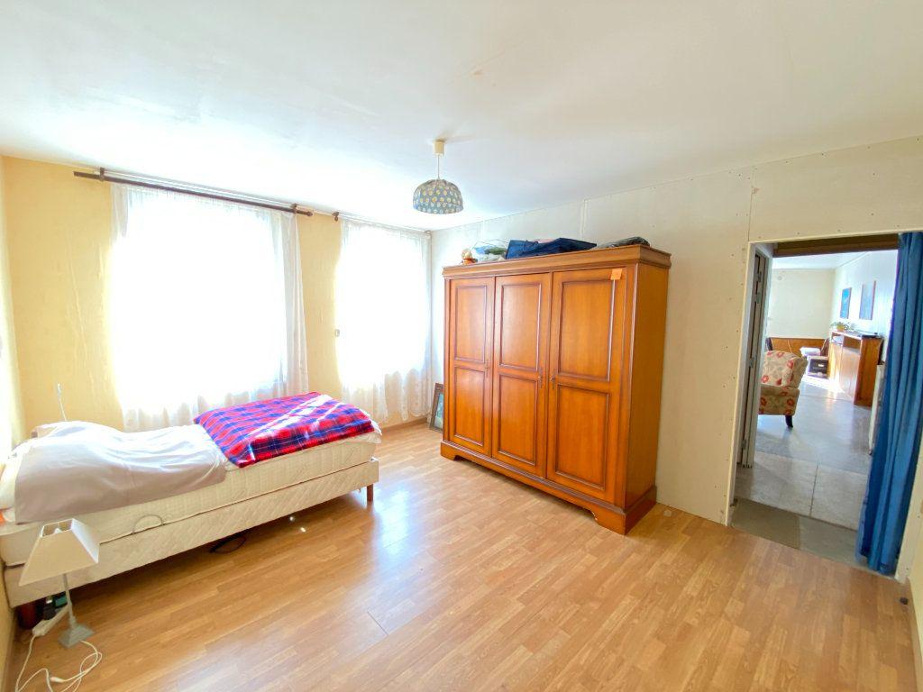 Maison à vendre 9 215m2 à Crépy vignette-12