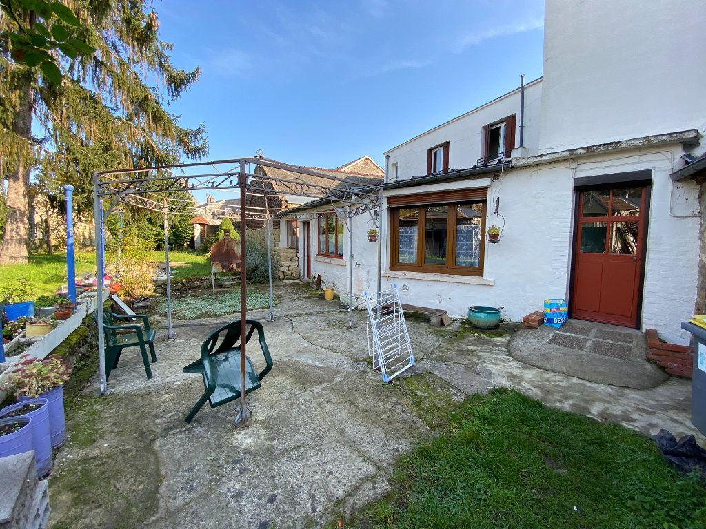 Maison à vendre 9 215m2 à Crépy vignette-16
