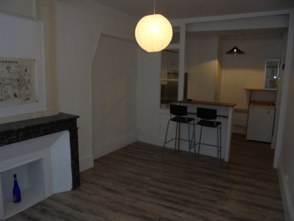 Appartement à louer 2 34m2 à Laon vignette-2