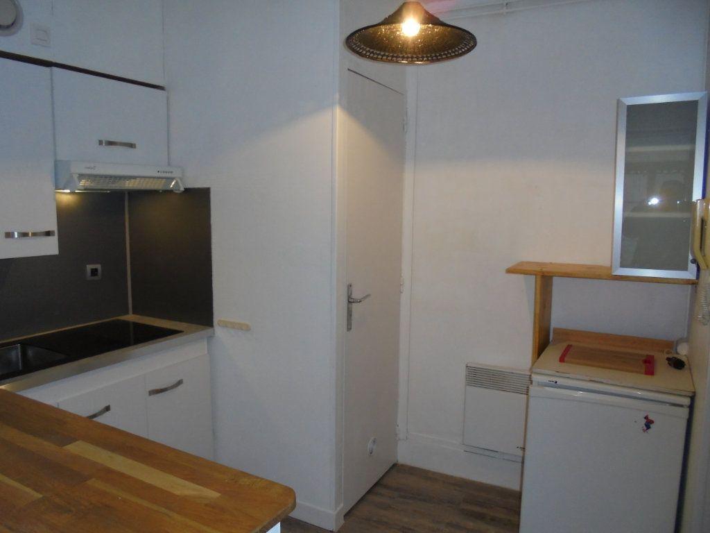 Appartement à louer 2 34m2 à Laon vignette-4