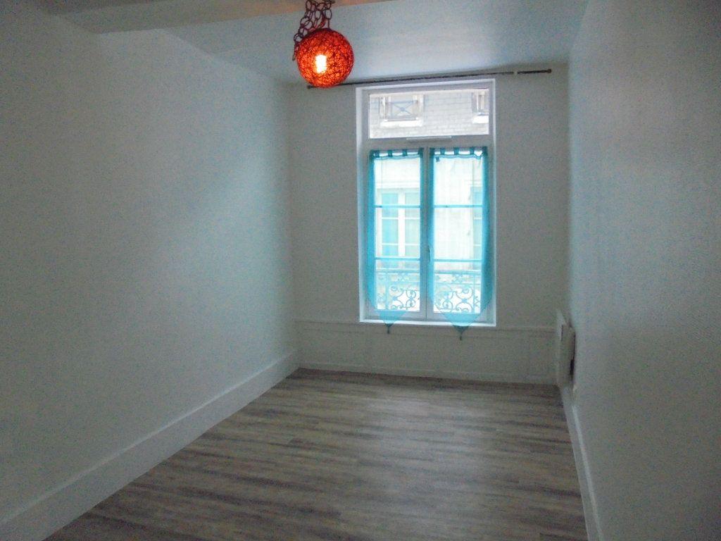 Appartement à louer 2 34m2 à Laon vignette-5