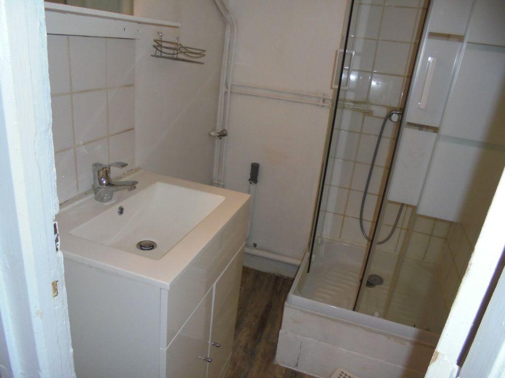 Appartement à louer 2 34m2 à Laon vignette-6