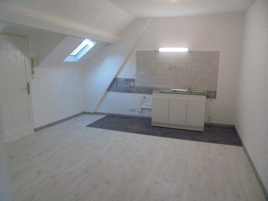 Appartement à louer 3 89m2 à Vailly-sur-Aisne vignette-1