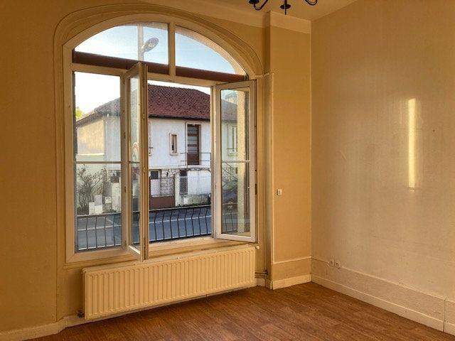Appartement à louer 2 45m2 à Laon vignette-2