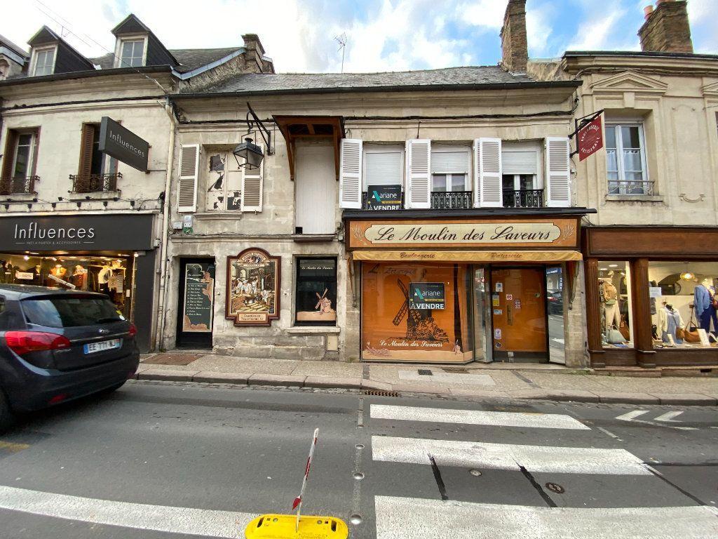 Immeuble à vendre 0 390m2 à Laon vignette-1
