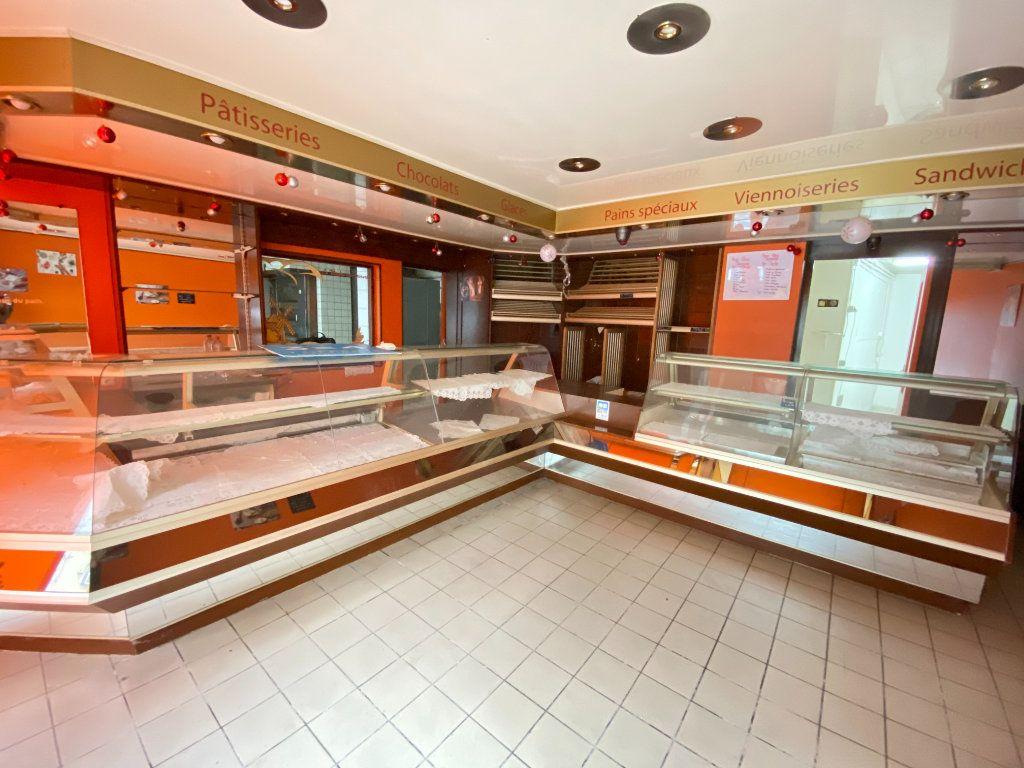 Immeuble à vendre 0 390m2 à Laon vignette-2